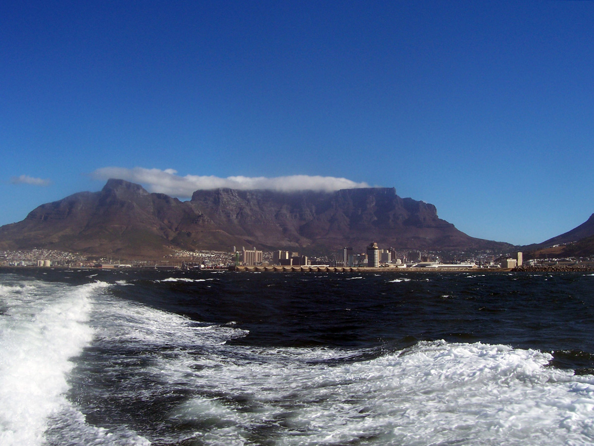 Silver_oak_tours_table-mountain